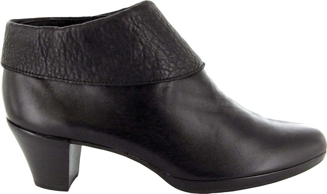 ... Ankle Boots; Munro Grace. Black Leather