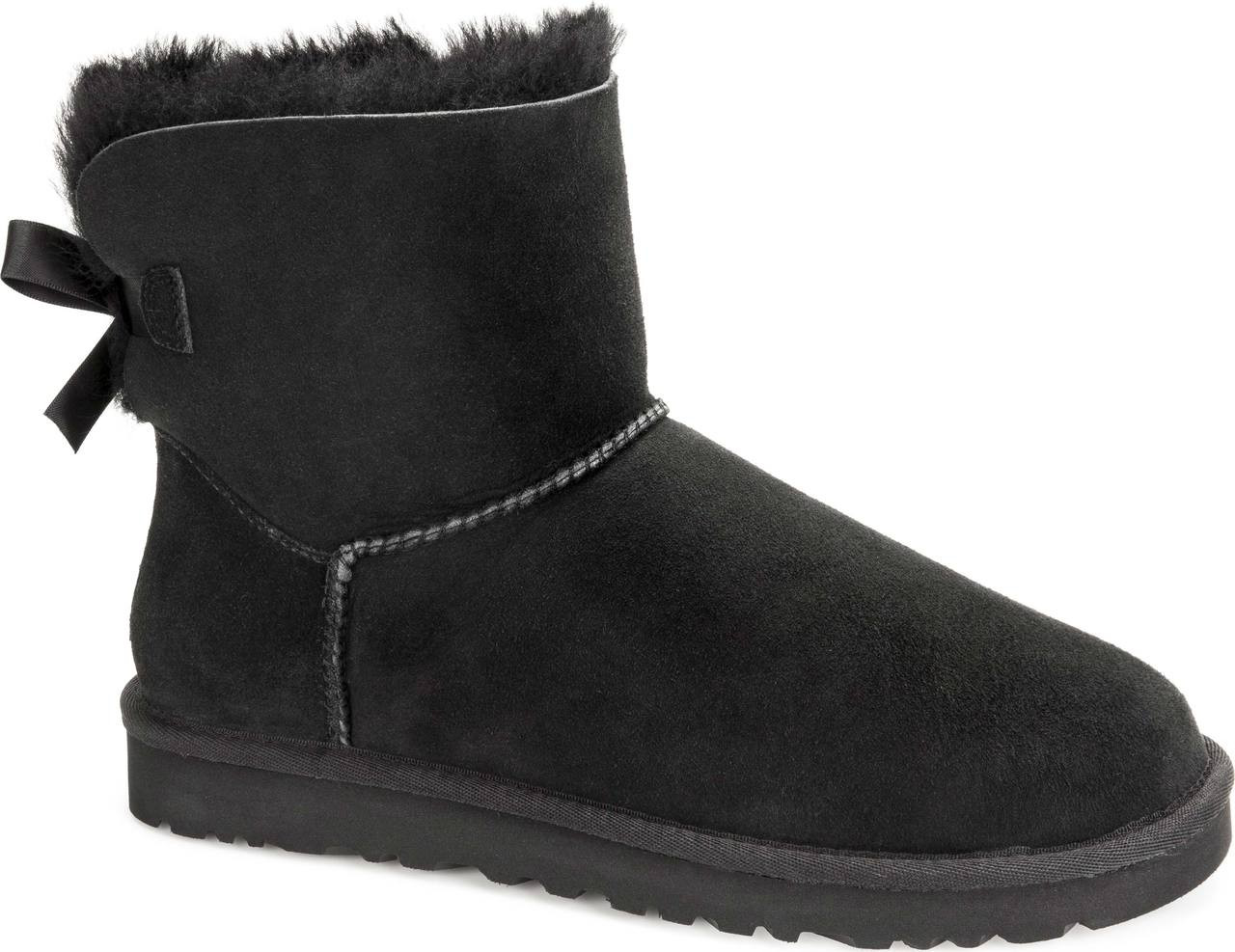 black ugg with bow