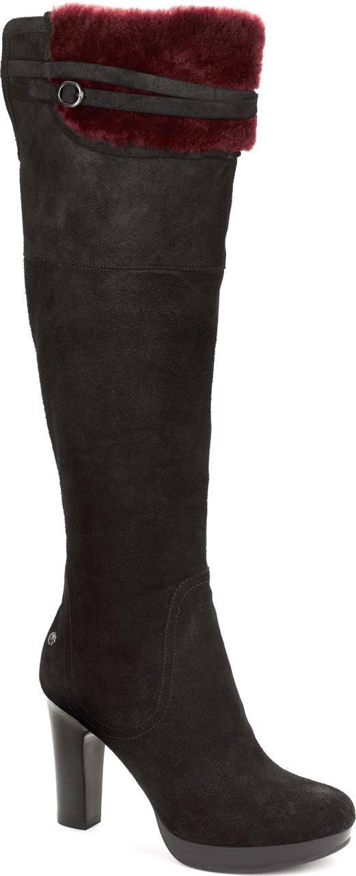 ugg style boots worn by jennifer aniston