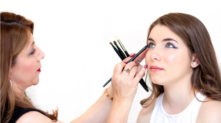 sophie-custom-applying-makeup-website.jpg