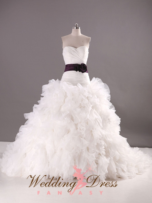 Organza Ballgown Wedding Dress Sweetheart Neckline