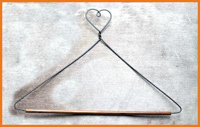 da-heart-shape-hang-ups-7-and-13-inch-5586-5587-sm.jpg