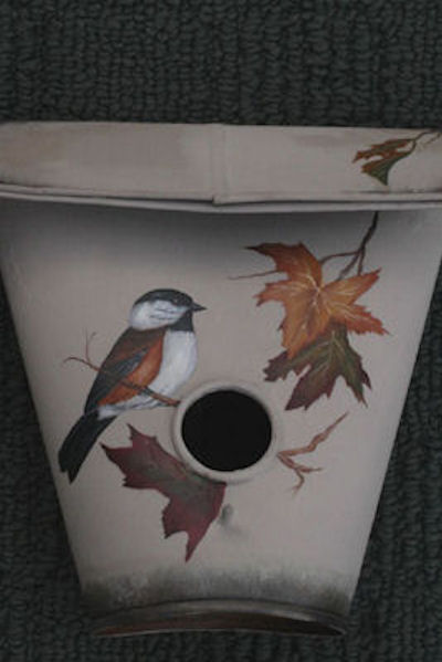jol-fall-bird-house-1616141-sm.jpg