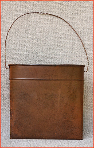 metal-wall-pocket-10-inch-rusty-28m4325-sm.jpg
