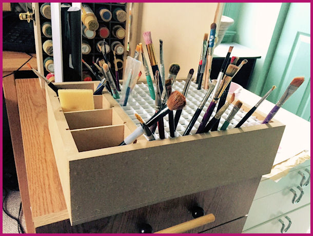 wood-pencil-and-brush-holder-sm-1209996-home-office-sm.jpg