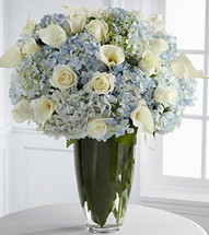 Luxurious Roses and Hydrangea