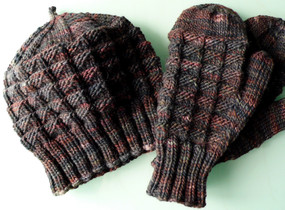 High Peaks Mittens and Hat
