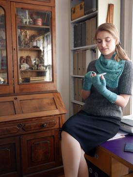 Tweed Set Mitts