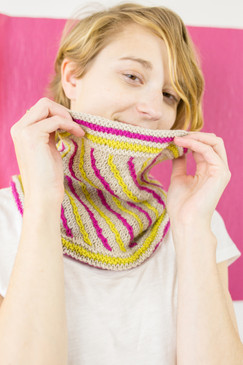 May Pole Cowl