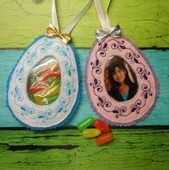 In The Hoop Easter Egg Treat Pocket & Picture Frame Design