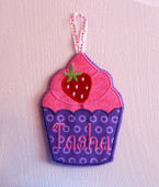In The Hoop Strawberry Cupcake Door Sign Embroidery Machine Design