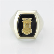 ΔKE Onyx Barrel Crest Ring