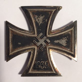 Germany: WWII Iron Cross 1939 - First Class - by Klein and Quenzer
