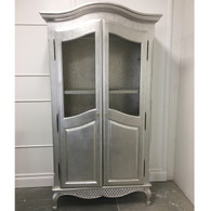 Grand Armoire Finish: Silver Gilding Knobs: Glass Knobs with Silver Base