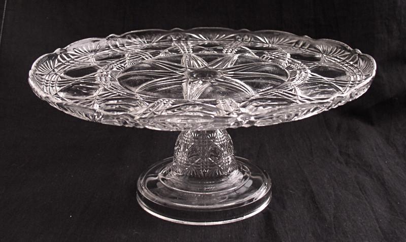 Pedestal Fans Blocking : Diamond block with fan victorian glass pedestal cake stand