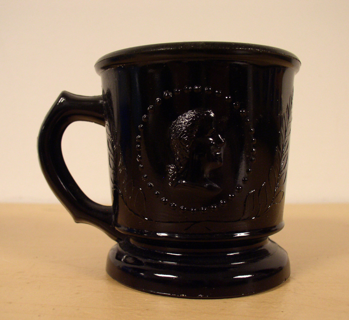 Ceres Medallion Cameo Black Glass Childrens Mug All