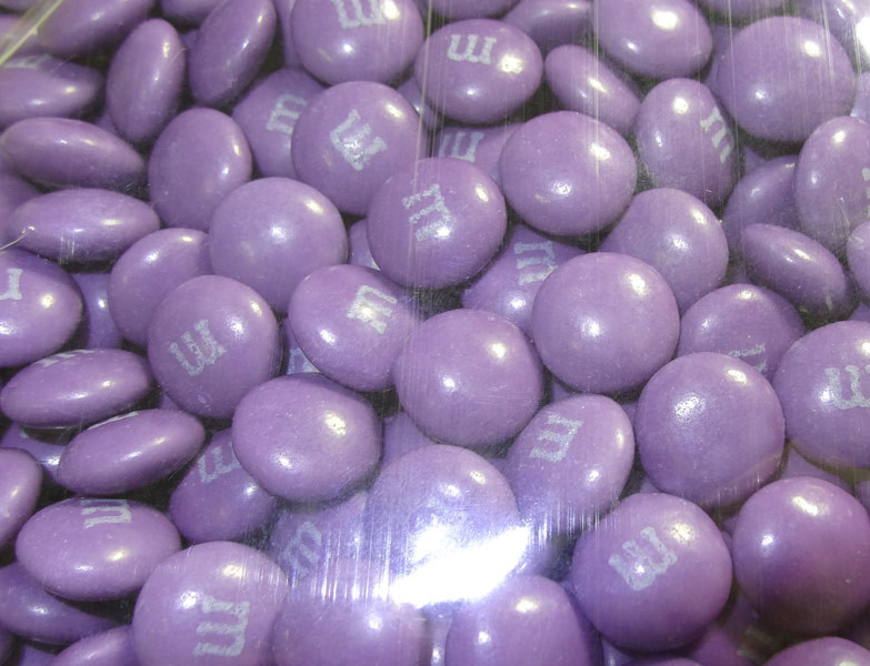 Single Colour M&M s - Purple, by Mars,  and more Confectionery at The Professors Online Lolly Shop. (Image Number :5277)