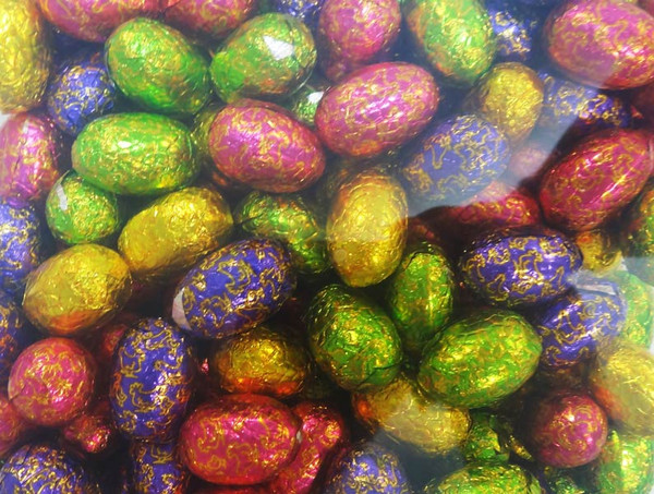 Jacquot Foiled Milk Chocolate Eggs with Praline Filling, by Jacquot,  and more Confectionery at The Professors Online Lolly Shop. (Image Number :9615)