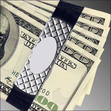 GB9125ssdp Sterling Silverv holding cash