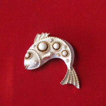 Vintage Signed Crown Trifari White Enamel Fish Pin