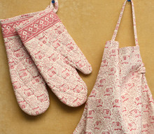 BLOCK PRINT OVEN MITTS AND MATCHING APRON SET - PINK AND WHITE