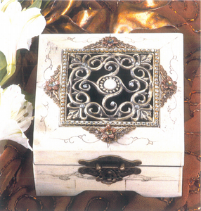 Timeless Bone Box with Center Pearl Hinged
