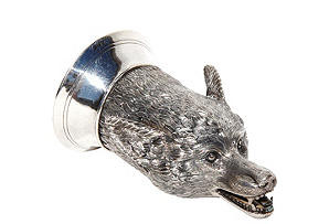 Sterling Silver Fox head stirrup cup with gilded interior                                                     -  9cl (3 fl/oz)
