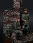 Model Cellar - WWI German Infantry Officer with Seated Infantryman