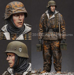 Alpine Miniatures - Waffen SS MG Ammo Carrier