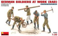 Miniart Models German Soldiers at Work (RAD)