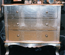 Modern Chest of Drawers, Crock Silver / 3 Drawer