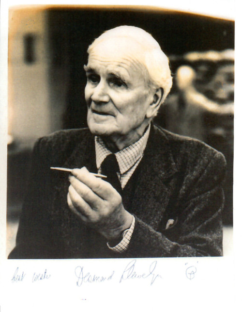 007 James Bond, Desmond Llewelyn, Q,  Autographed Photograph