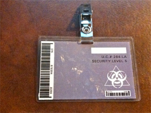 Resident Evil, Milla Jovovich, Security Badge