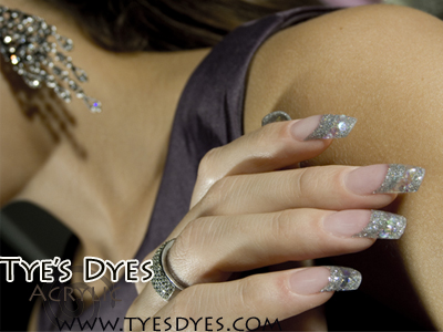 party-acrylic-nails.jpg