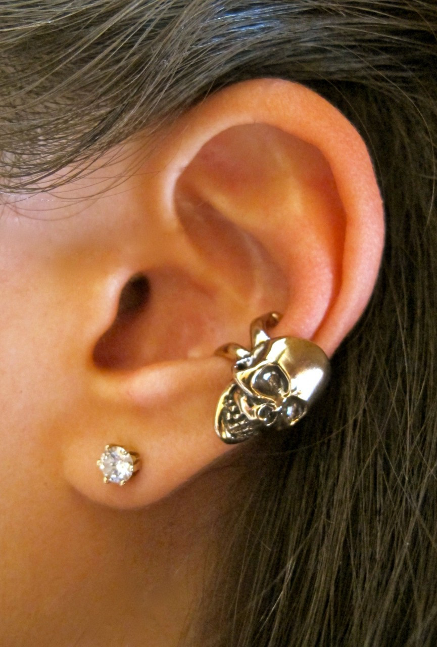 skull ear cuff bronze marty magic store