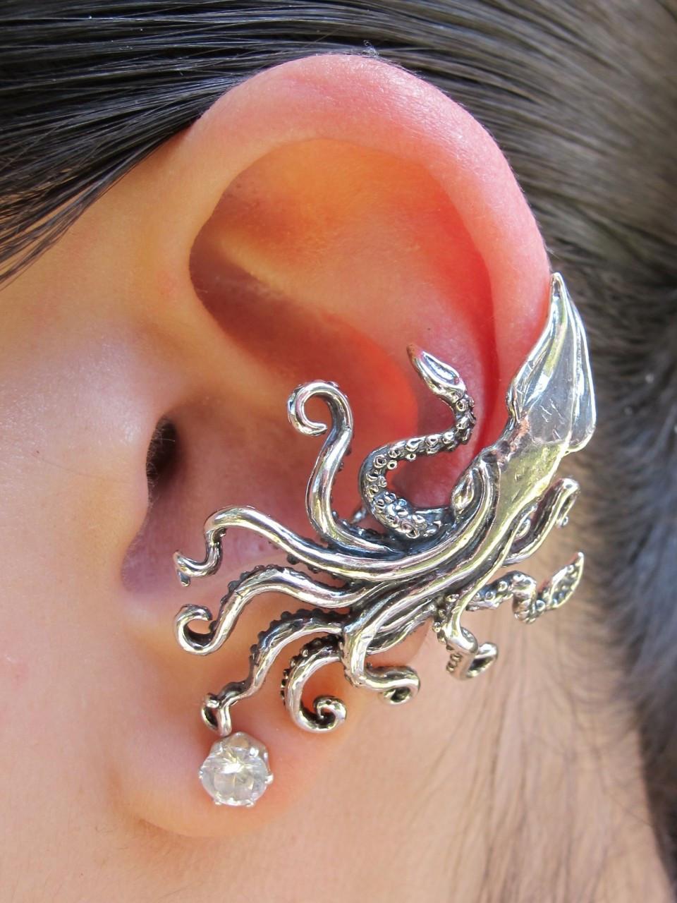 Silver Stars Caroline Kraken squid ear cuff - silver