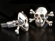Cuff Links - Large Skull and Crossbone Cuff Links