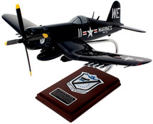 "F4U-4 CORSAIR USMC ""BLACK SHEEP SQUADRON"" 1/26"
