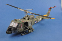 UH-1B Gunship Helicopter - 501st Aviation Battalion ‰Firebirds‰