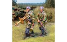 Fallschirmjaeger Marching PanzerSchrek and Assistant