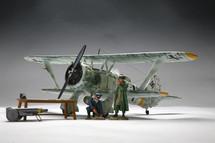 Henschel 123 (Winter White)