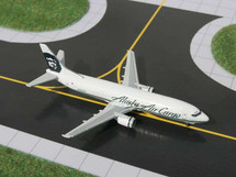 Alaska Airlines (USA) B737-400, N709AS Gemini Diecast Display Model