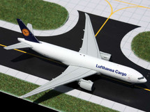 Lufthansa Cargo (Germany) 777-200f Gemini Diecast Display Model