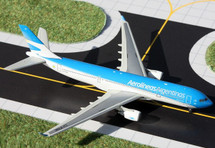 Aerolineas Argentinas A330-200, LV-FNK Gemini Diecast Display Model