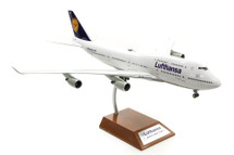 Lufthansa Boeing 747-400 D-ABVB With Stand
