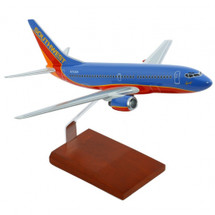 Southwest 737 1/100 Mahogany Display Model