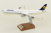 Lufthansa Airbus A340-300 D-AIGS Football Nose With Stand 100 models