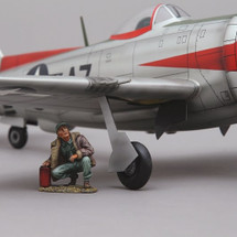 US Air Craftsman kneeling, single figure