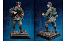 German Unteroffizier, single 1:6 Scale Statue Hand-Painted Limited Edition (acrylic case not included)