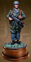 WWII German Fallschirmjager 120mm At Rest, single figure